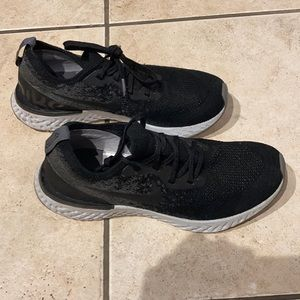 Nike epic react black - 7Y equals women's size 8